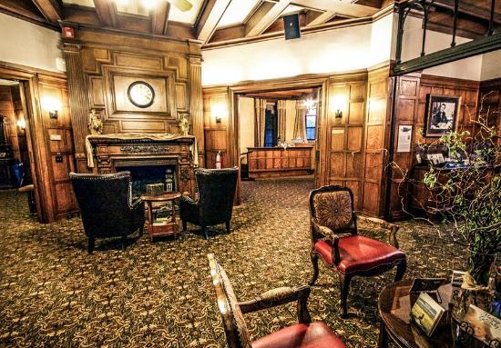 Glen Eyrie Castle & Conference Center: Main floor of Glen Eyrie Castle
