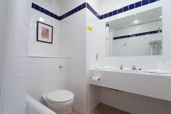 Hatherton, UK: Bathroom