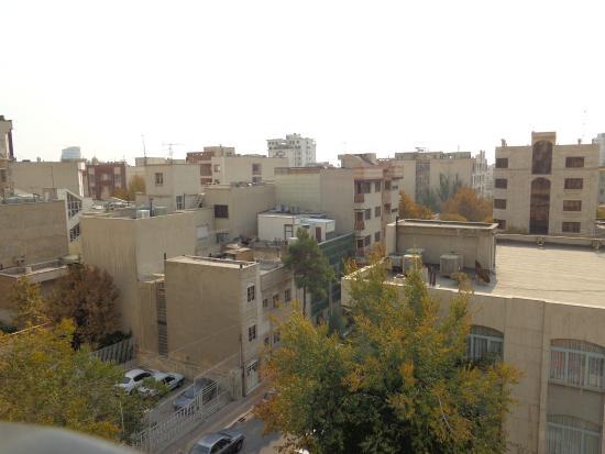 Koorosh Apartment Hotel