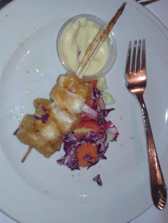 Sun Valley, NV: Skewered Chicken and slaw OK so I didnt get the picture of the full plate before I started tasti