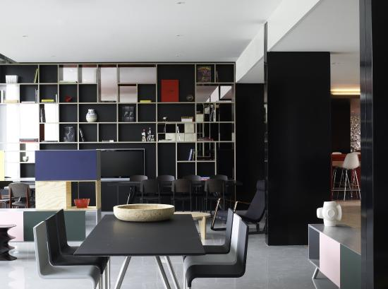 citizenM Schiphol Airport: Living Space