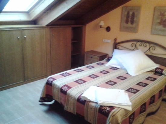 Hostal Casa Barranco: Habitación abuardillada