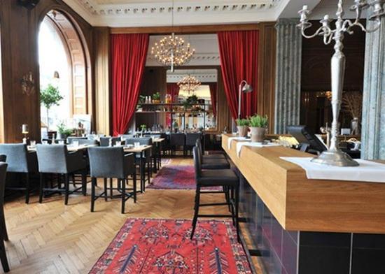 Clarion Grand Hotel: restaurant