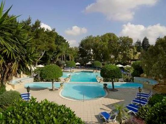 Corinthia Palace Hotel & Spa: Pool Gardens