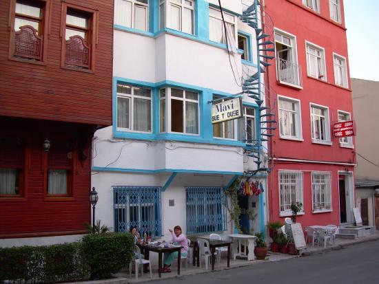 Mavi Guesthouse: Frente del hostel