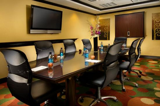 Hampton Inn & Suites Waco South: Longhorn Boardroom