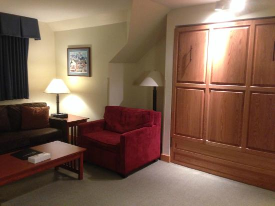 murphy bed closed picture of killington grand resort. Black Bedroom Furniture Sets. Home Design Ideas