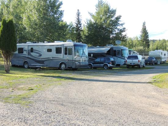 100 Mile Motel and RV Park : rv park