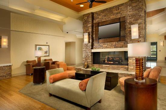 Homewood Suites by Hilton Columbus: Lobby