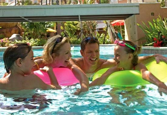 Marriott's Aruba Surf Club: Lazy River Pool