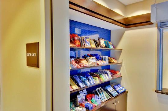 Hampton Inn & Suites Moreno Valley: Suite Shop