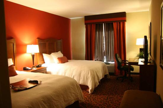 Hampton Inn & Suites Brenham: Double Guest Room
