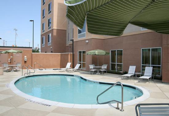 Fairfield Inn & Suites San Antonio NE/Schertz: Outdoor Pool & Spa