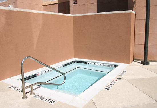 Fairfield Inn & Suites San Antonio NE/Schertz: Outdoor Spa