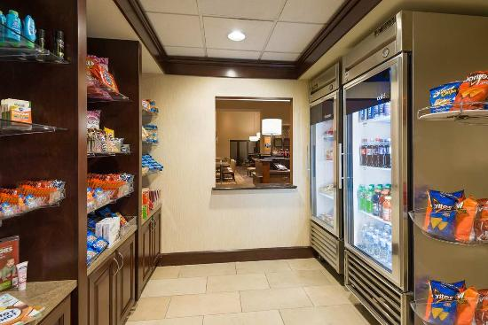 Hampton Inn and Suites Peoria at Grand Prairie: Suite Shop