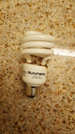 La Quinta Inn & Suites Moreno Valley: Another view of the burned out bulb