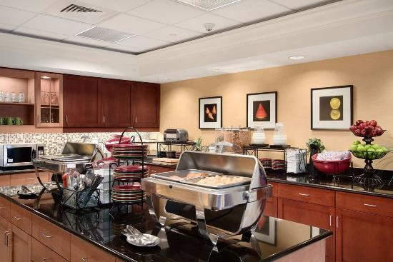 Homewood Suites by Hilton Newtown - Langhorne, PA: Breakfast Area