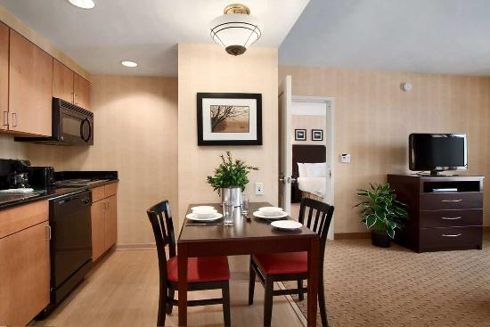 Homewood Suites by Hilton Newtown - Langhorne, PA: 2 Bedroom Suite
