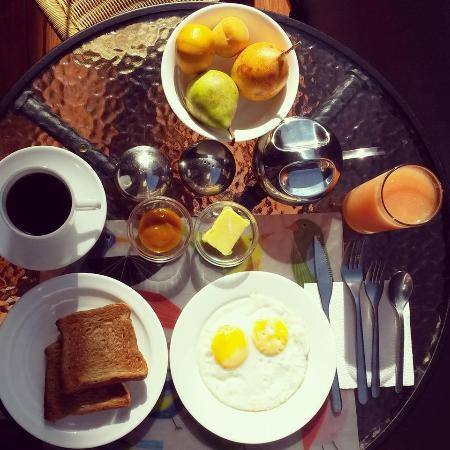 RE Bed And Breakfast: Desayuno