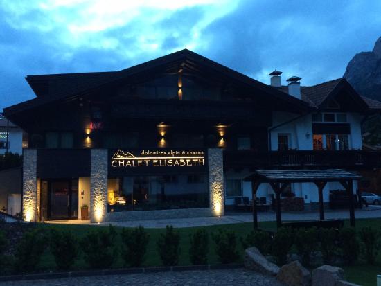 Garni Chalet Elisabeth: Exterior post renovation - June 2015 - BEAUTIFUL HOTEL