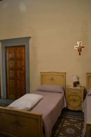 Istituto Suore S. Giovanni Battista - Villa Merlo Bianco: Villa Merlo Bianco-Quadruple-two beds on each side of the room