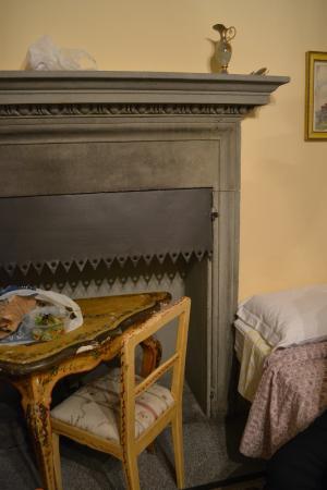Istituto Suore S. Giovanni Battista - Villa Merlo Bianco: Villa Merlo Bianco bedroom