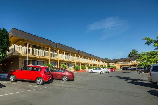Econo Lodge Inn & Suites照片