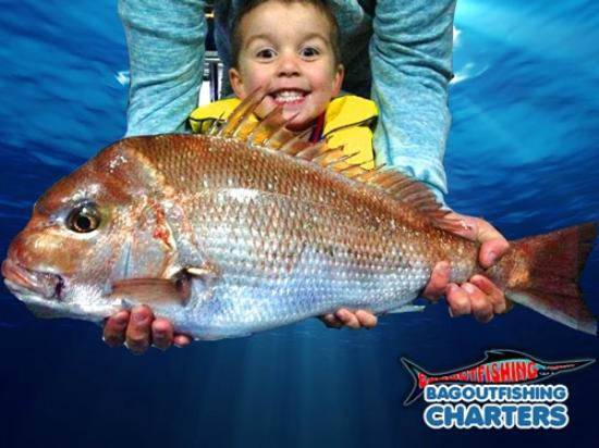 Bagout Tuna Fishing Charters: What we all dream of - Big Red snapper