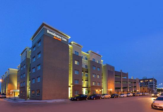 residence inn des moines downtown iowa may 2016 hotel. Black Bedroom Furniture Sets. Home Design Ideas
