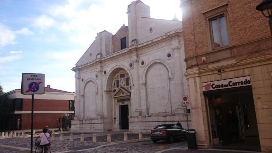 Residence Igea : Kostel v Rimini