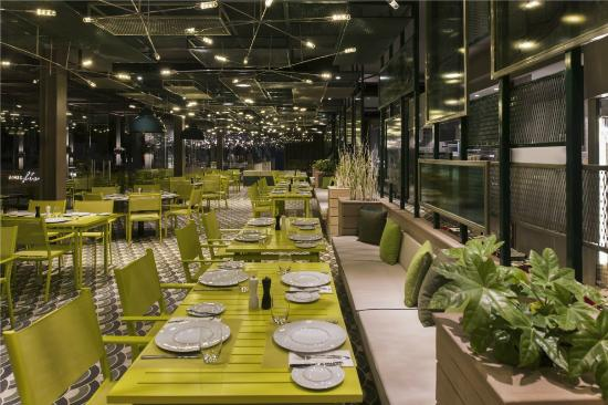 Azure Italia - A la carte Restaurant - Picture of Maxx Royal Kemer ...