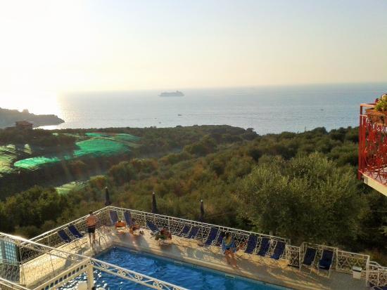 Hotel Dania: De votre fenêtre, vue sur la piscine et le golfe