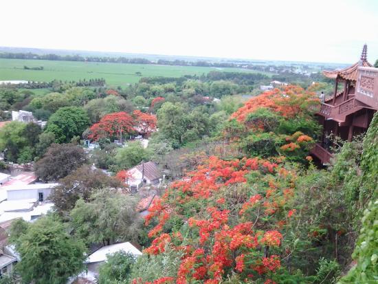 Hang Pagoda (Chua Hang)
