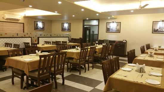 Zaara Cafe and Restaurant