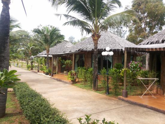 Villa Ravadee Resort & Spa : บ้านไม้ไผ่ ทรง 8 เหลี่ยม
