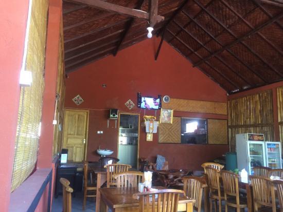 Warung makan pak waka 2 tulamben recenze restaurace for Beautiful dining area