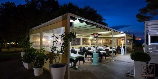 Alex Ristorante: Esterno giardino