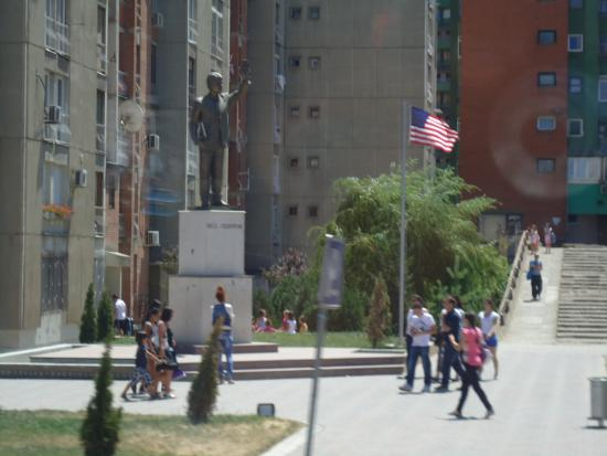 Bill Clinton Statue: Bill Clinton Heykeli