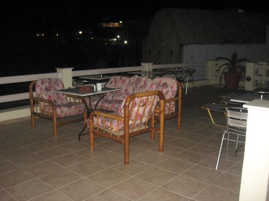 Hotel Leta: Вечер на терассе.