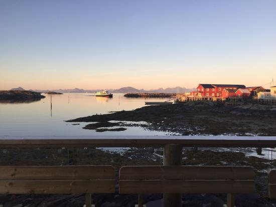 Lovund, Noruega: Emaus Pub & Spiseri