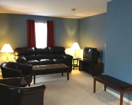 Vinehurst Inn & Suites: Large family suite