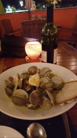 Brandl: Clams in White Wine with Chorizo