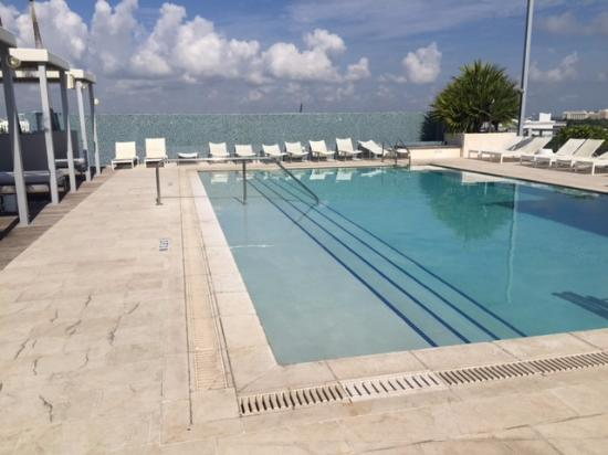Boulan South Beach: Pileta del hotel