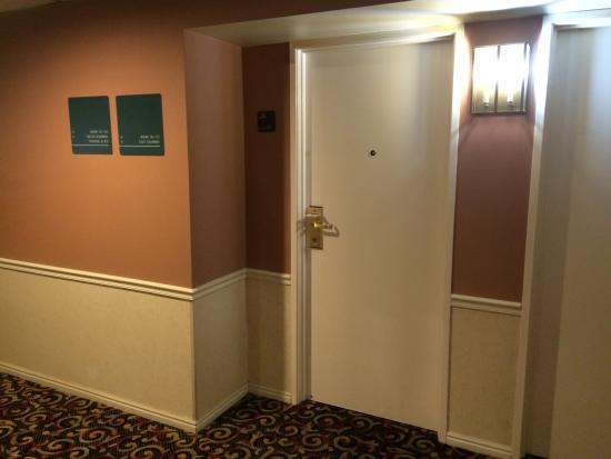 Quality Inn: Room 201