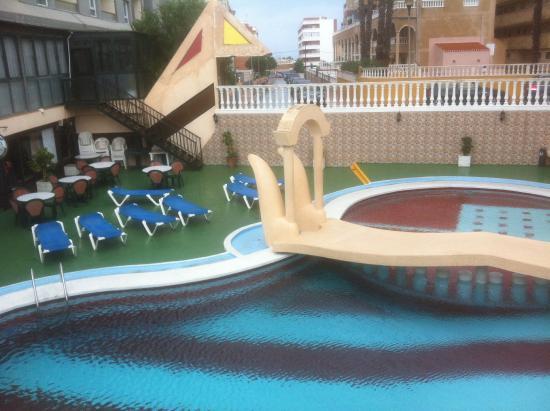 Hotel TorreJoven: Het zwembad