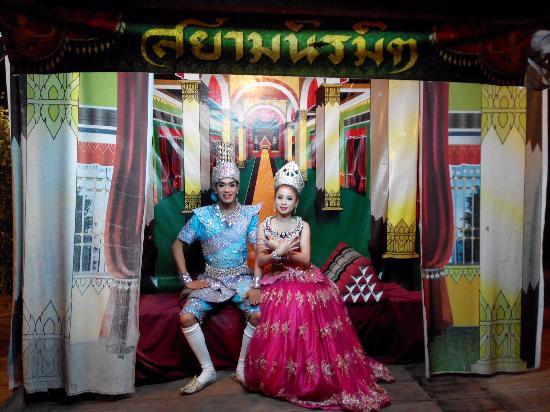 Siam Niramit Phuket: Li gay