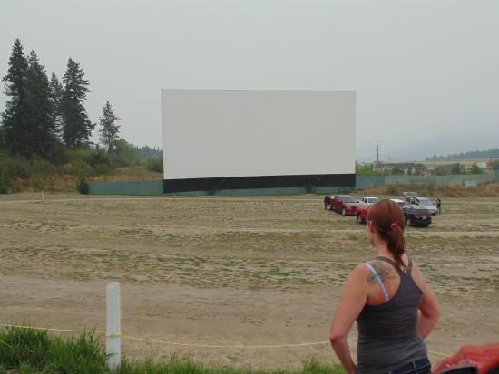 Enderby, Canadá: the screen and a little bit o' the viewing area