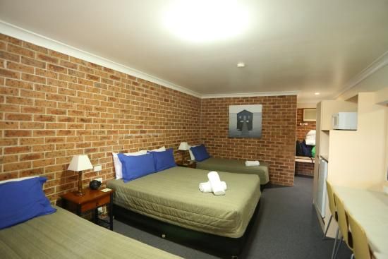 Lake Macquarie Motor Inn: Room