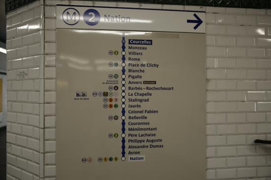 PARIS. Métro. Panneau de l\'itinéraire et des stations de ...