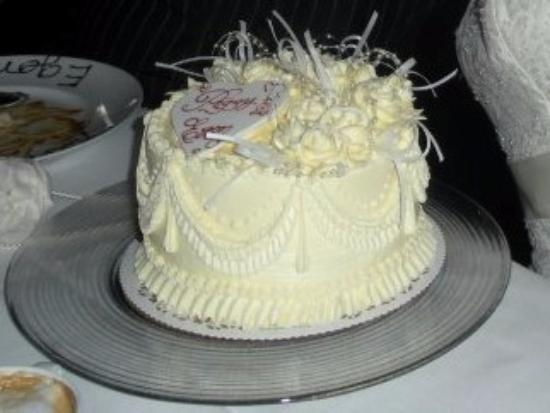 Freed S Bakery Wedding Cake